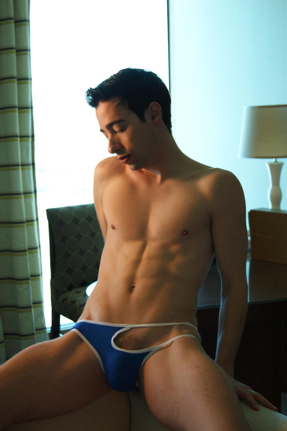 Amateur bulge male gay glory hole 5