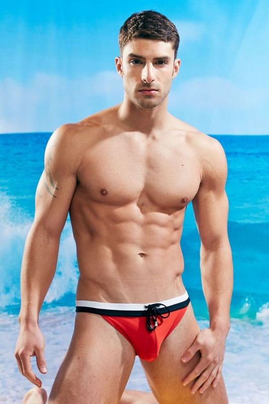 Adam-Ayash-Hot-Summer-UnderGear-01-533x800