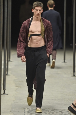 Dries-Van-Noten-Men-Spring-Summer-2015-Paris-Fashion-Week-Collection-038