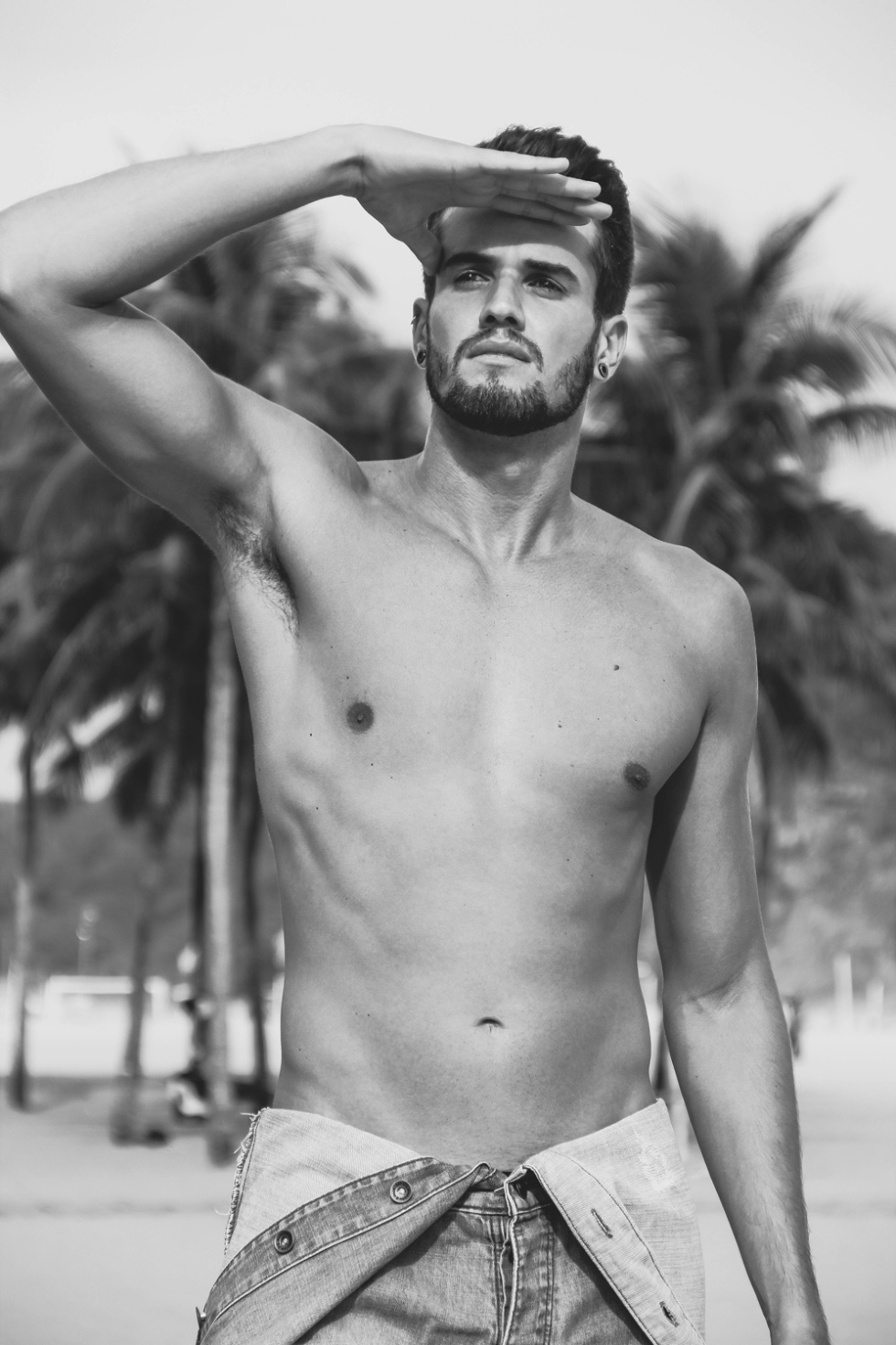 Gorgeous Brazilian fresh face Ricardo Almeida builds up his portfolio with a beautifully captured seaside session from photographer Lucas Oli.