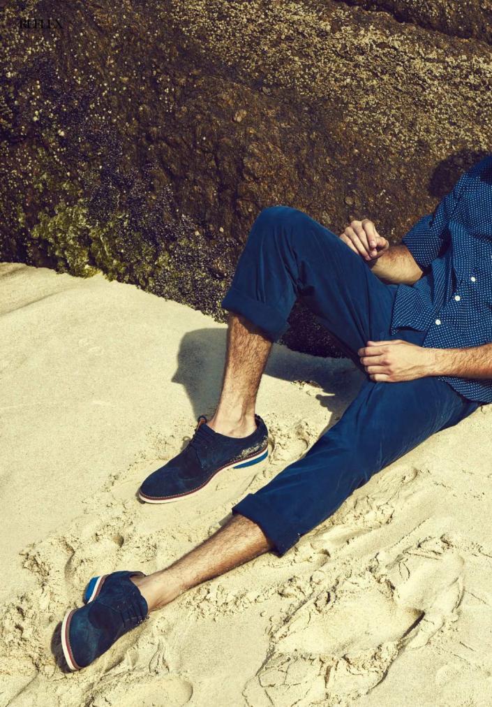 Reflex Homme Summer 2015 Into the blue Photographer: Alex Santana. Stylist: Paulo Zelenka. Digital retoucher: Octavio Duarte. Grooming: Amanda Schon.