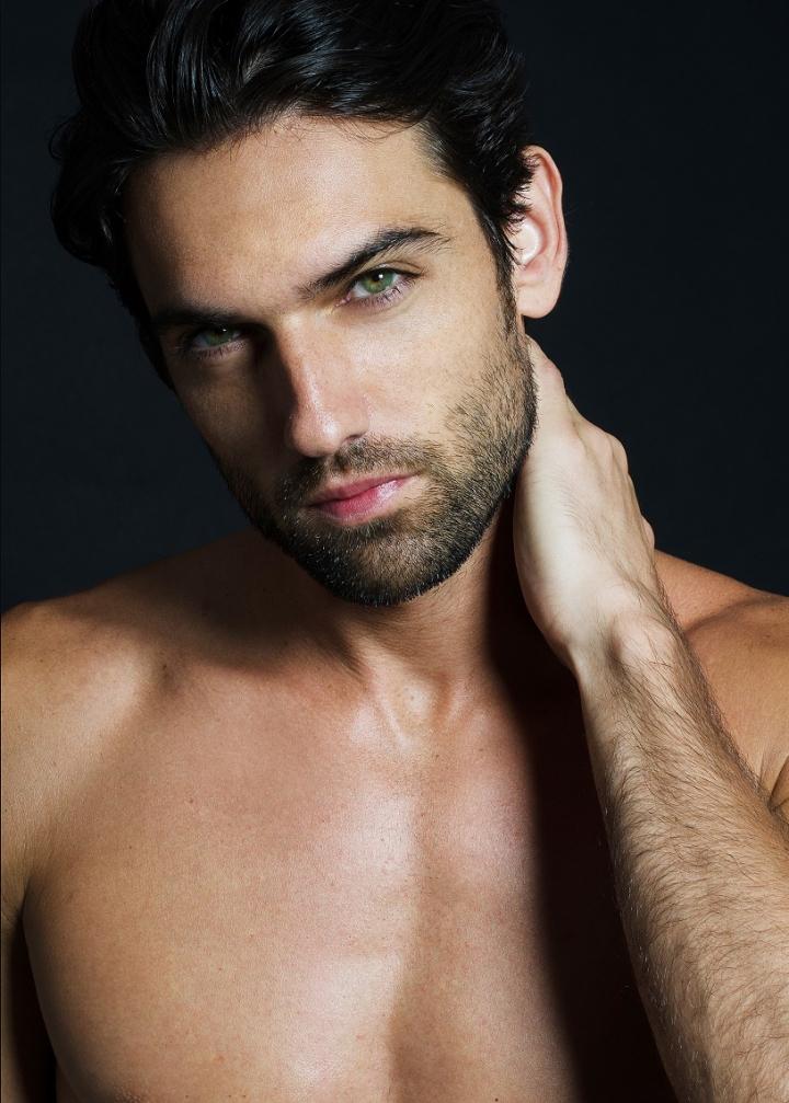Meet Reed Favero – Fashionably Male