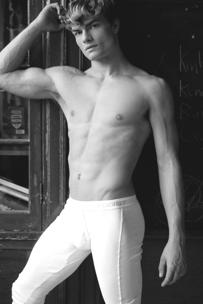 Our Monday Motivation is here. Presenting newcomer Aidan Anderson at Agency Vision L.A. shot by James Thor. Aidan a gorgeous model looking beautiful and sexy in classic long johns from 2(x)ist.