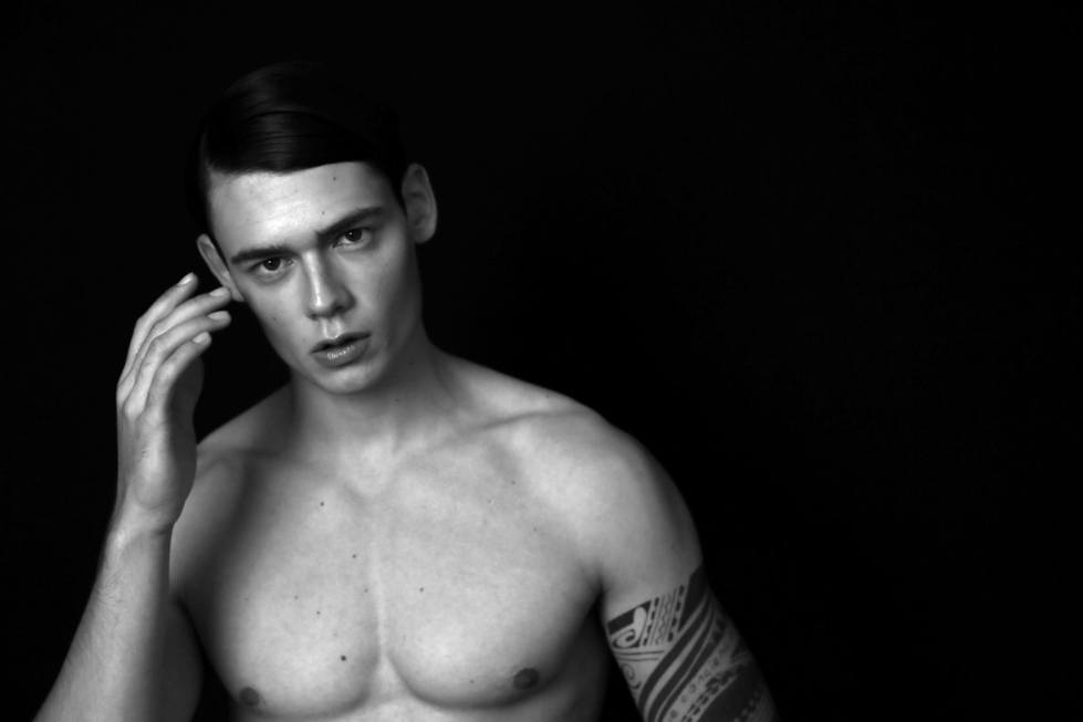 What lovely day to wake up and see in our screens new images with Mario Adrion shot by 2 photographers Richard Bussetil and Marilyn Rose. They both did the Styling as well and Hair and Make up was done by: Francesca Maffi.