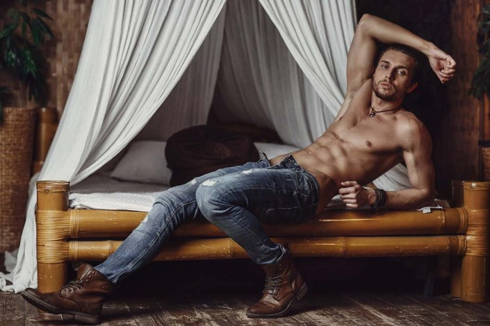 Here's a new shot with Moscow model Artem Gerasimov by Artur Kharakhashyan.