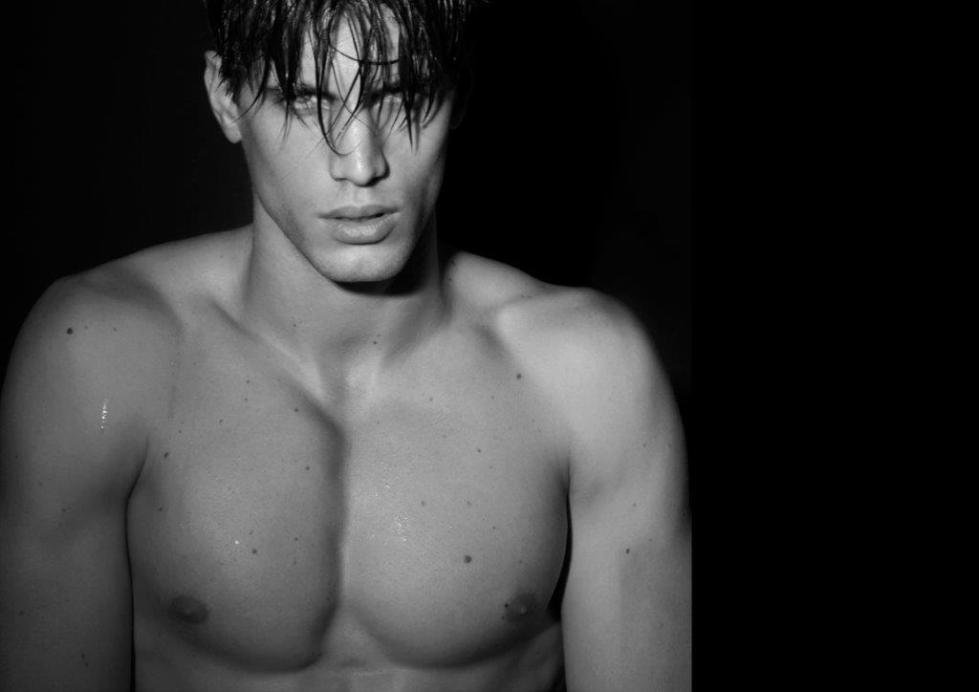 With a great future ahead, Premier model Santiago Ferrari is hitting every spotlight all around the world. Here's a photography by Rubén Tomás.