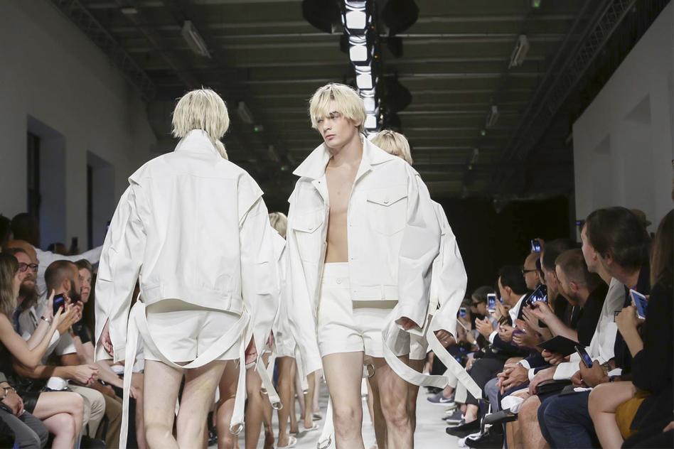 Junn J Spring Summer 2016 Menswear Paris