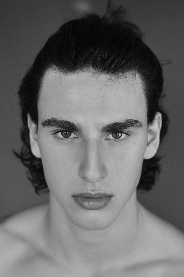 How beautiful is this new face we're gonna to introduce you his name is Pedro Henrique a Brazilian up and comer portraying by Hudson Rennan.