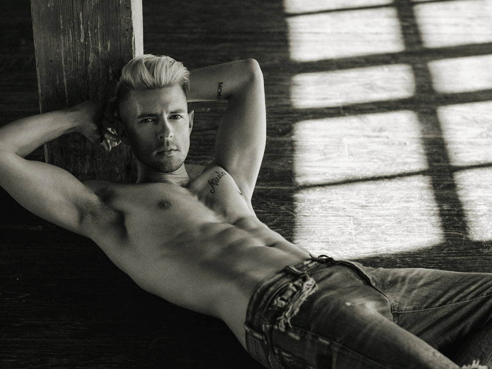 The new personal project by talented Serge Lee is here at Fashionably Male. With stunning famous Latvian singer and ex-model Markus Riva starring the project shot in a Moscow studio a month ago. Story for all denim lovers around the world.