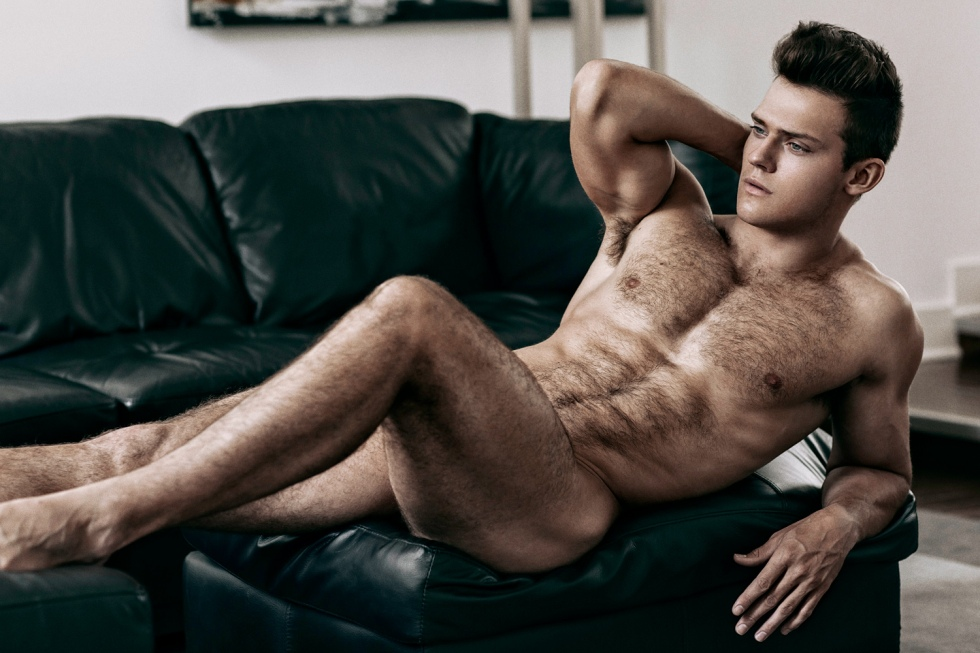 Whatever you're doing right now, stop and stare the new exclusive work snapped by talented photographer Hayden Su, with Ben Todd posing in a magnifique sexy session where we can only appreciate his natural beauty.