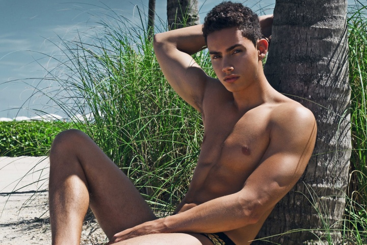 Final images from Alex Jackson latest shoot with Darian Chandler from Front Management. Darian posing sublime in a speedo and tanning in a sunny beach.