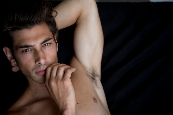 Showing off the best selection of this stunning new model Stephen Brenna captured by talented Karl Simone. He's represented by DT Model Management in LA. A very hot and handsome male model indeed.