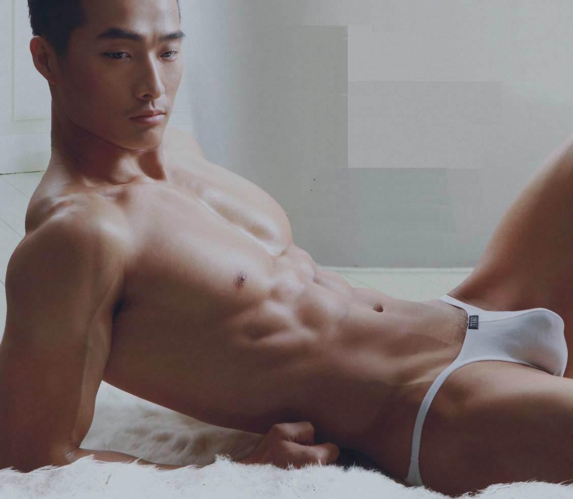 Asian Stud Model Jin Xiankui – Fashionably Male