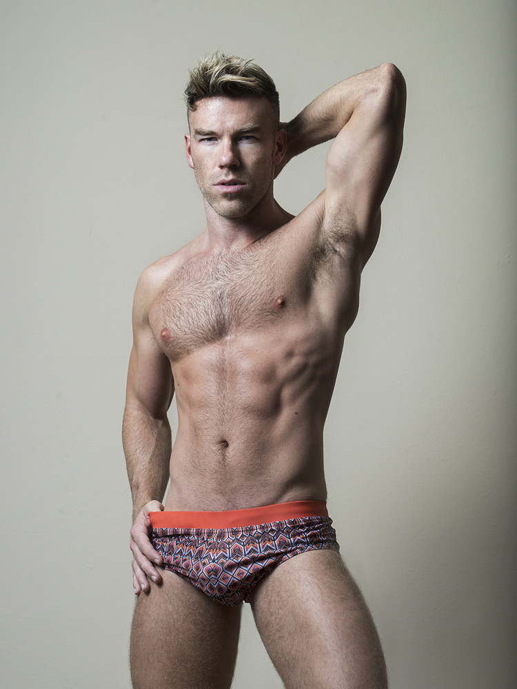DW CHASE FOR FASHIONABLY MALE056