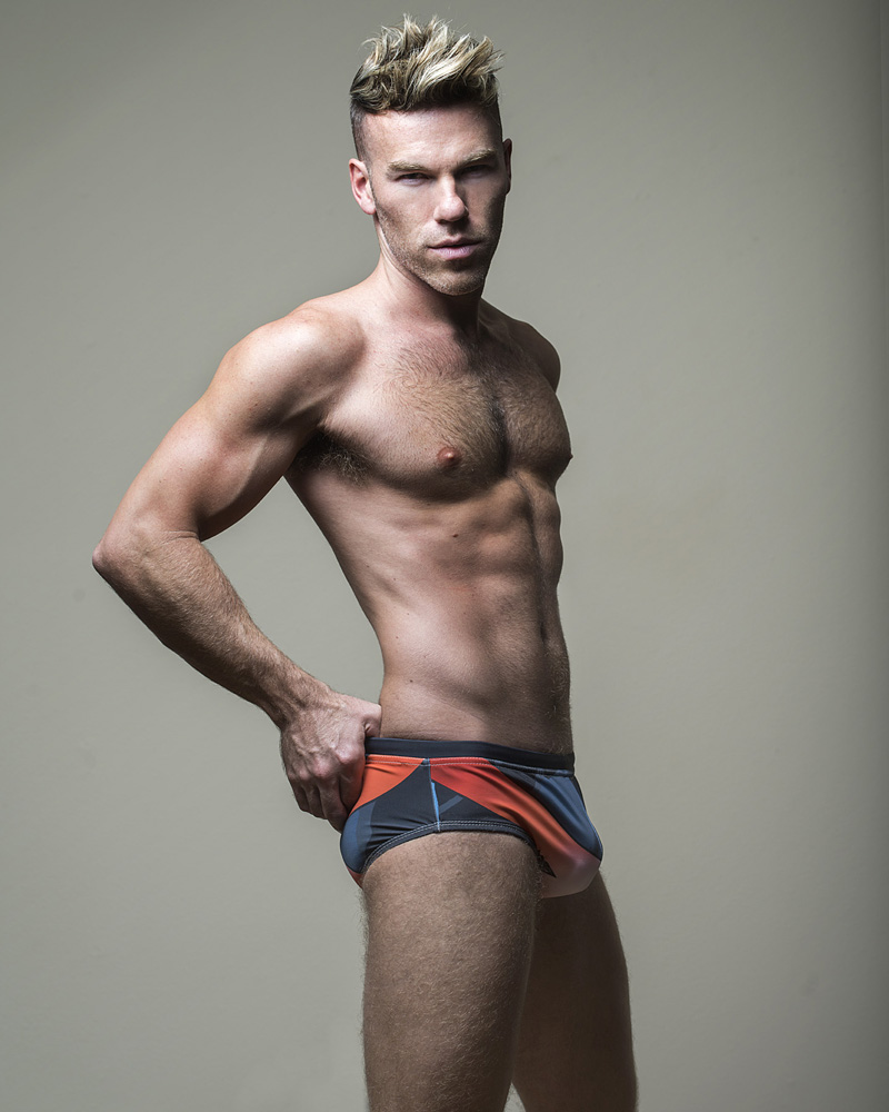 DW CHASE FOR FASHIONABLY MALE057