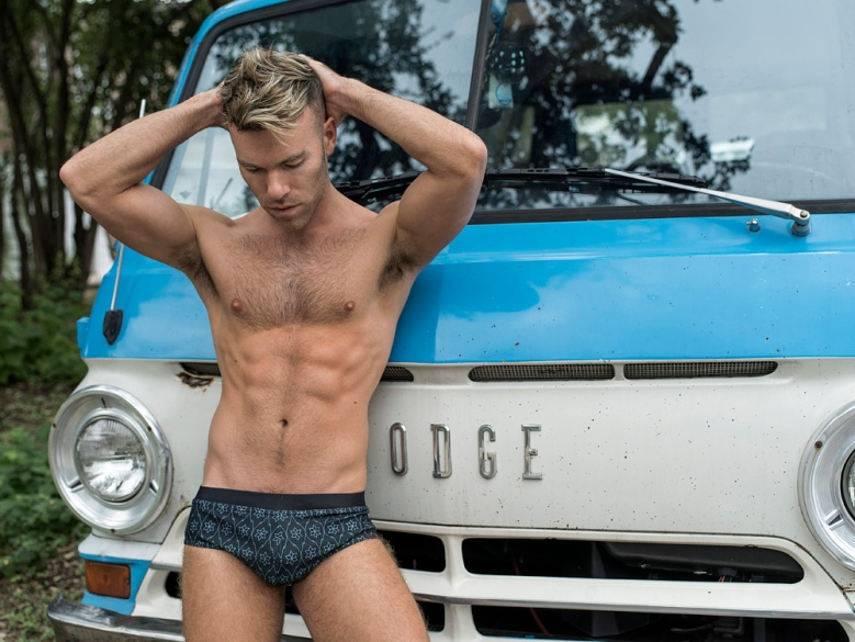 DW CHASE FOR FASHIONABLY MALE060