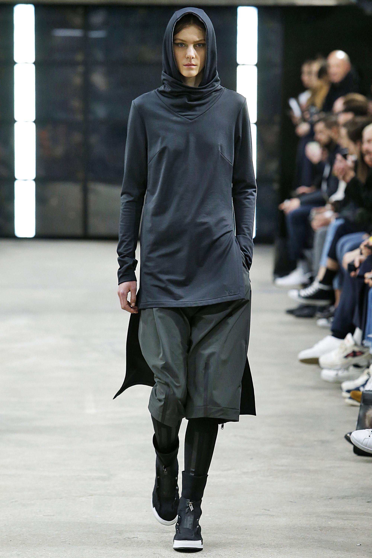 4bb5ddb773bb0 Y3 Paris Menswear Fall Winter 2016 January 2016 – Fashionably Male