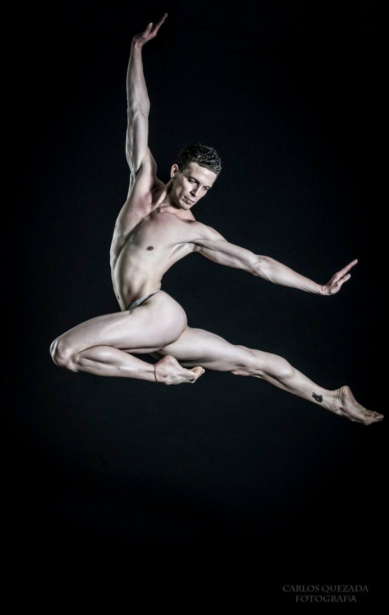 Male Nude Dancer 85