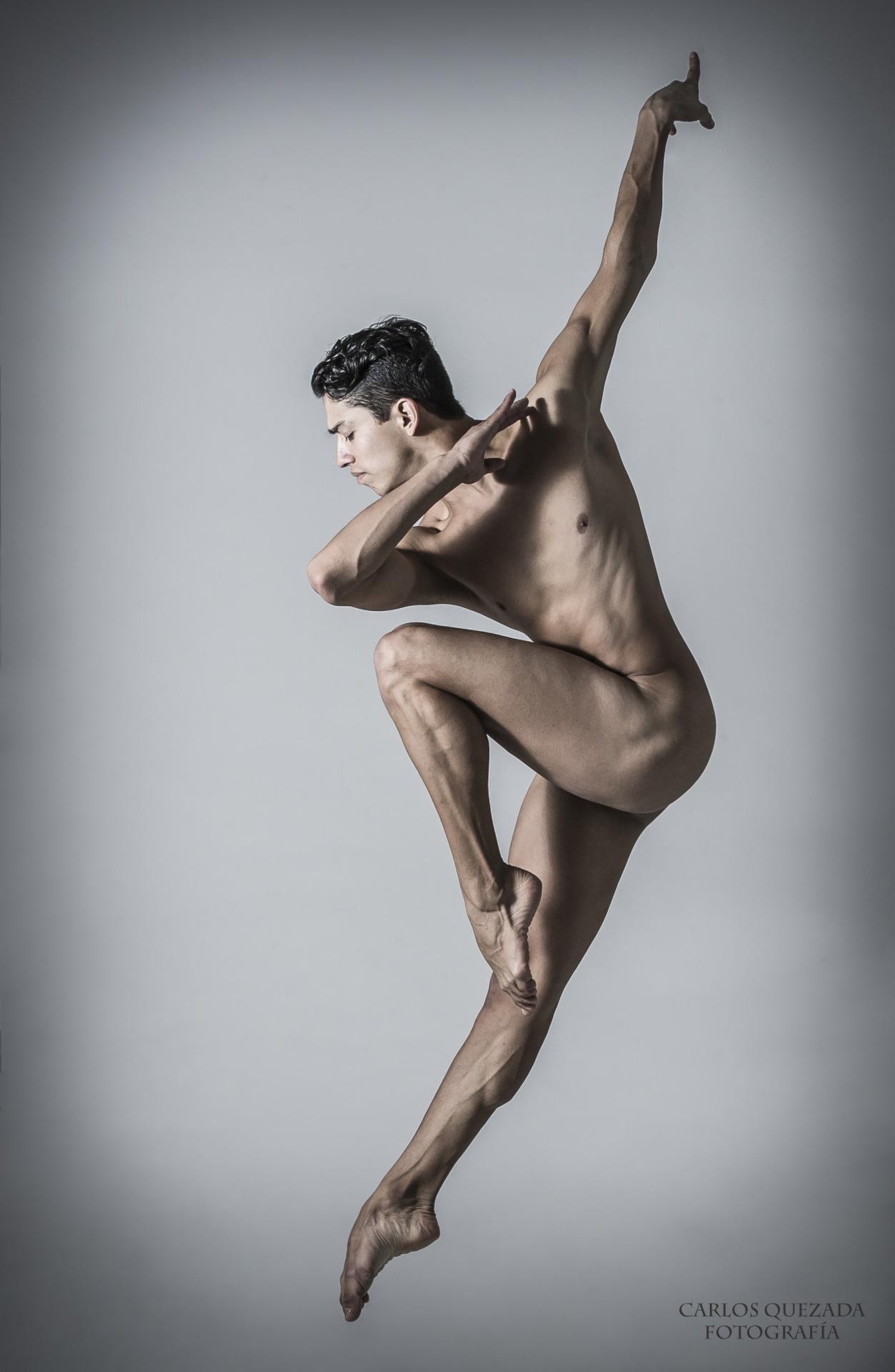 Dancer hip hop nude