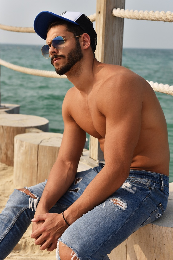 We've known since 2012, we're glad to present once again Serbian model Luka Rozajac outstanding in Dubai shore while Mladen Blagojevic taking some beautiful snaps.