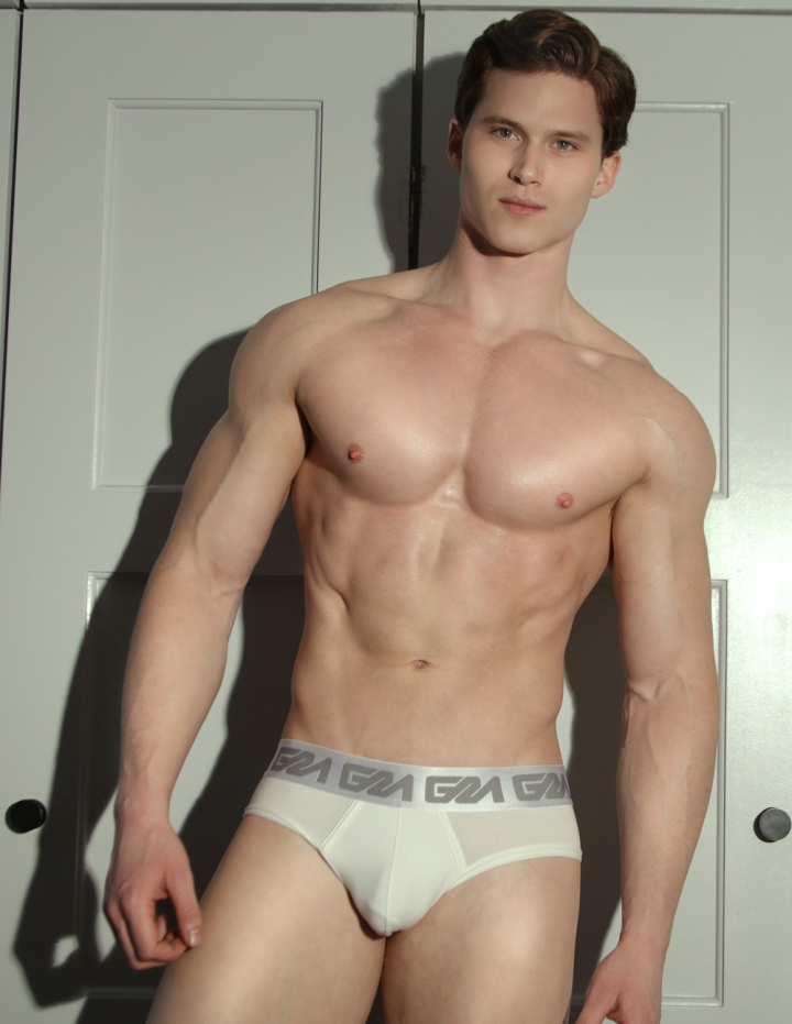 model-matt-waters-photogrpahed-by-marco-ovando-for-garc%cc%a7on-model-underwear-4