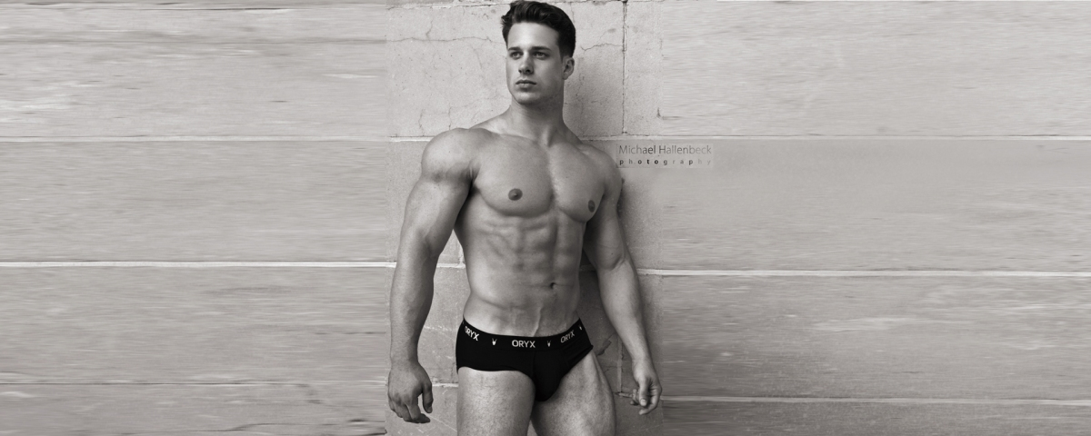 Watch What Happens When Model Nick Sandell Poses for Michael Hallenbeck! /PnV Exclusive