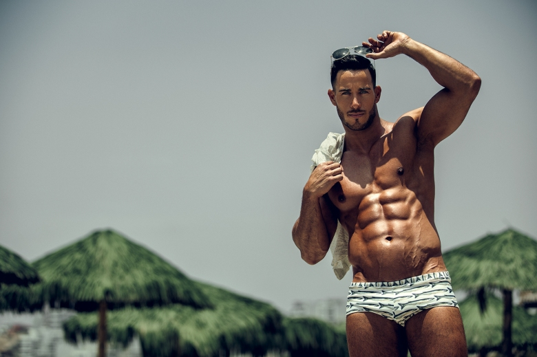Took us 10 months to find new shots from ravishing Eyal Berkover Israeli fitness athlete. But nobody can capture shots like Angel Ruiz, he's the only one to polish every fitness and muscled angle from Eyal, as you can see, he has been built an elite perfect body and can do things that push his limits mentally to reach any success.