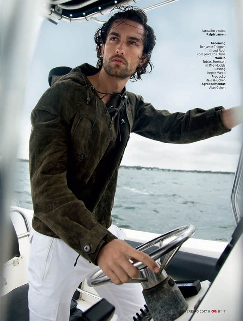 tobias-sorensen-in-%22mar-seguro%22-for-gq-brazil-by-karl-simone7