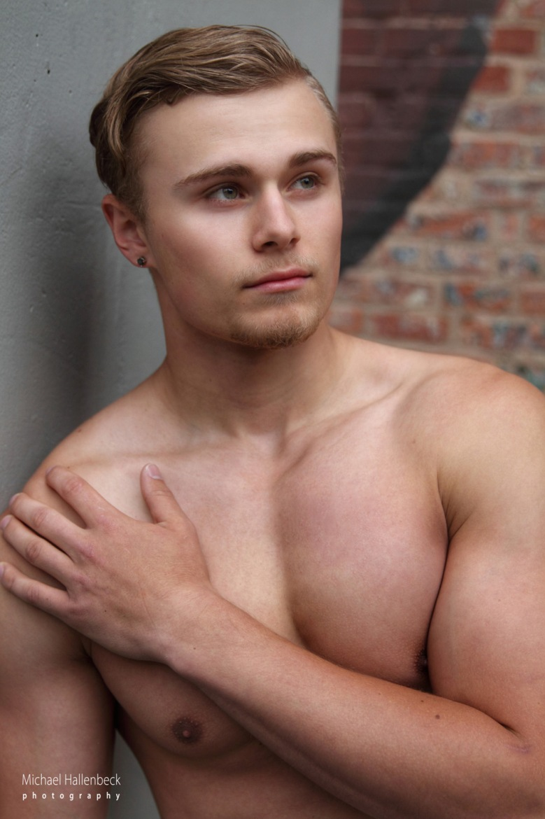 Meet the fresh-face, hot-physique model who hails from Long Island, New York. Only 19, Hayden Schreier appears to have taken to modeling like a duck to water.