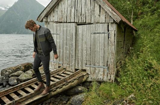 Tom Webb for Stradivarius AW17 Escape13