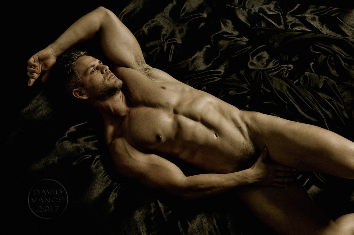 Scrumptious body art - shots by David Vance featuring Eric Turner