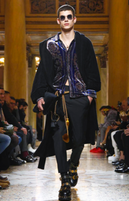VERSACE MENSWEAR FALL WINTER 2018 MILAN14
