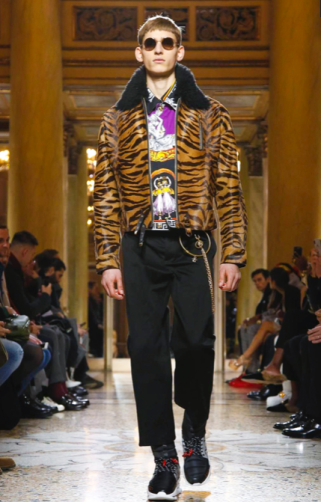 VERSACE MENSWEAR FALL WINTER 2018 MILAN16