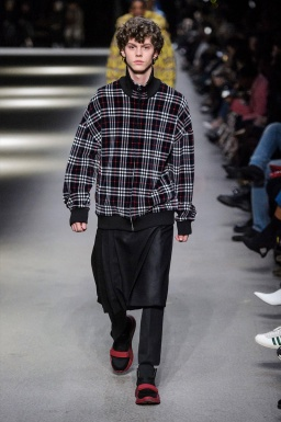 BURBERRY MEN FALL WINTER 2018 LONDON22